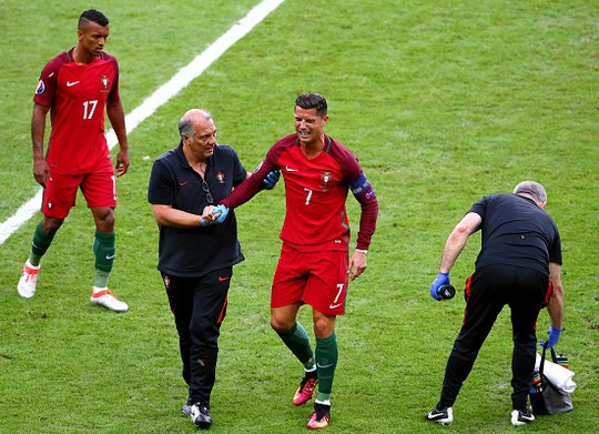 Трагедия и слезы Роналду в финале Евро-2016