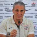 Главный тренер сборной Бразилии следит за Тайсоном